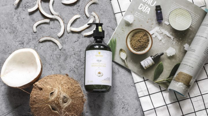 Top Best 9 Natural Shampoos Available In India: 2018 (Reviews)